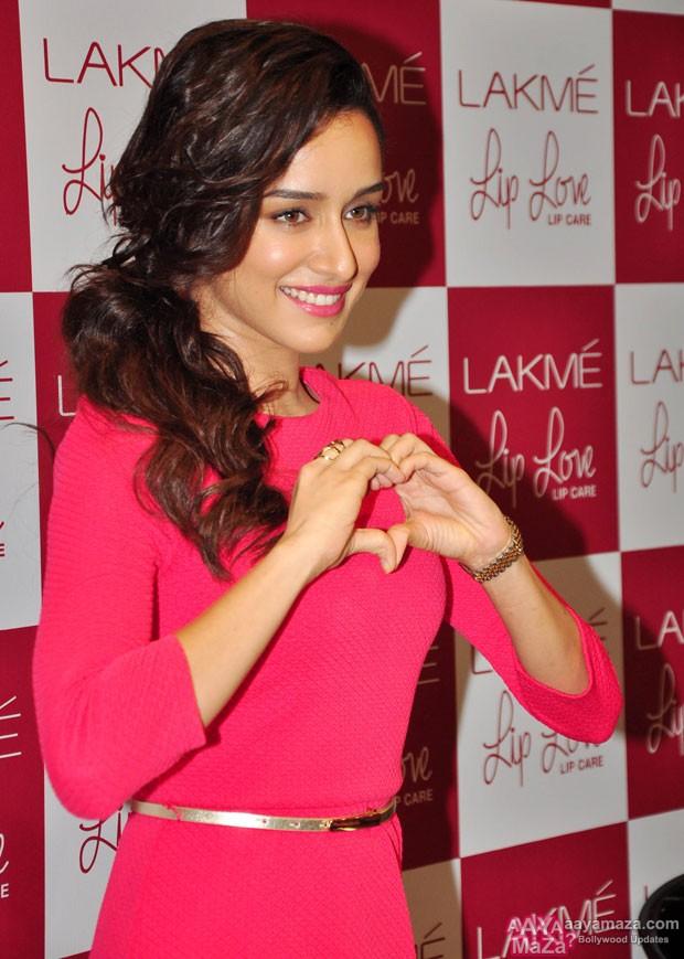 Shraddha-Kapoor-at-the-Launch-of-Lakme-Lip-Love-Lip-Care-2