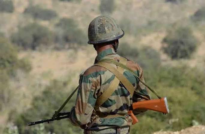 झारखंड में सीआरपीएफ के जवान ने गोली मारकर दो अधिकारियों की हत्या की