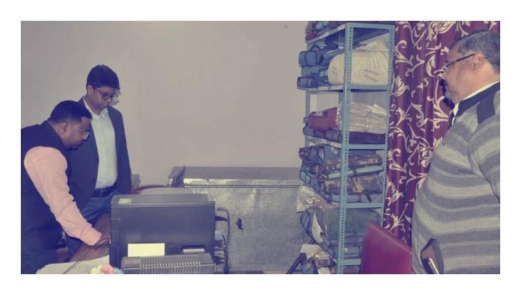 बस्ती:डीएम ने बीएसए से मांगा पटलवार ब्योरा