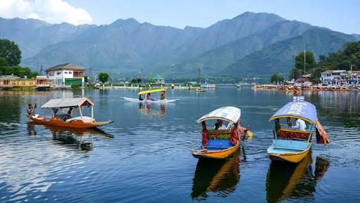 कोरोना संकट के बीच नया नियम: जम्मू कश्मीर में 15 साल रहने वाले को मूल निवासी का दर्जा