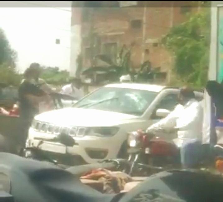 UP:देवरिया में अपराधियों से पुलिस की भिड़ंत, फायरिंग, 4 गिरफ्तार