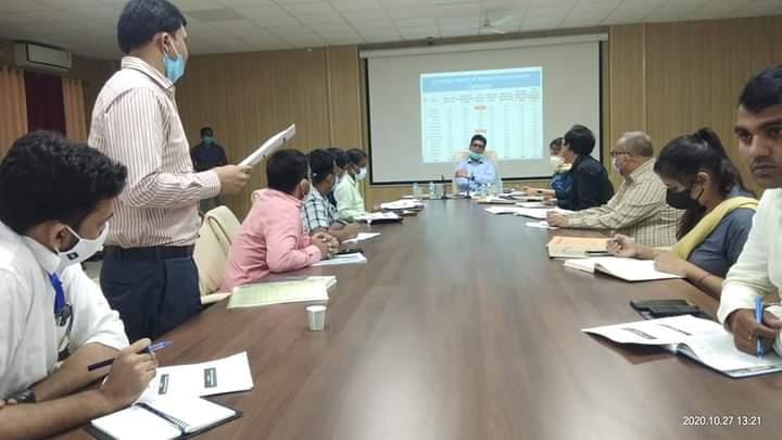 बस्ती:नवम्बर माह में संचालित होने वाले विशेष टीकाकरण अभियान के तैयारियों की जिलाधिकारी ने की समीक्षा