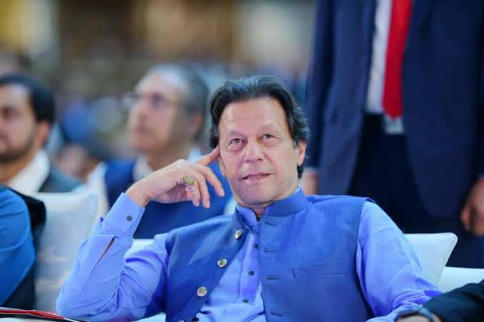 पाकिस्तान में बवाल ही बवाल, चुप्पी साधे बैठी इमरान खान सरकार