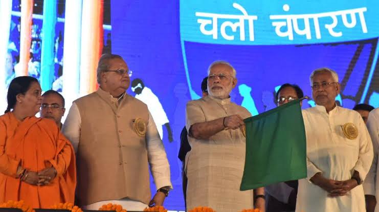 बिहार चुनाव:लालू परिवार पर जमकर बरसे पीएम मोदी, तेजस्वी को बताया जंगलराज का युवराज